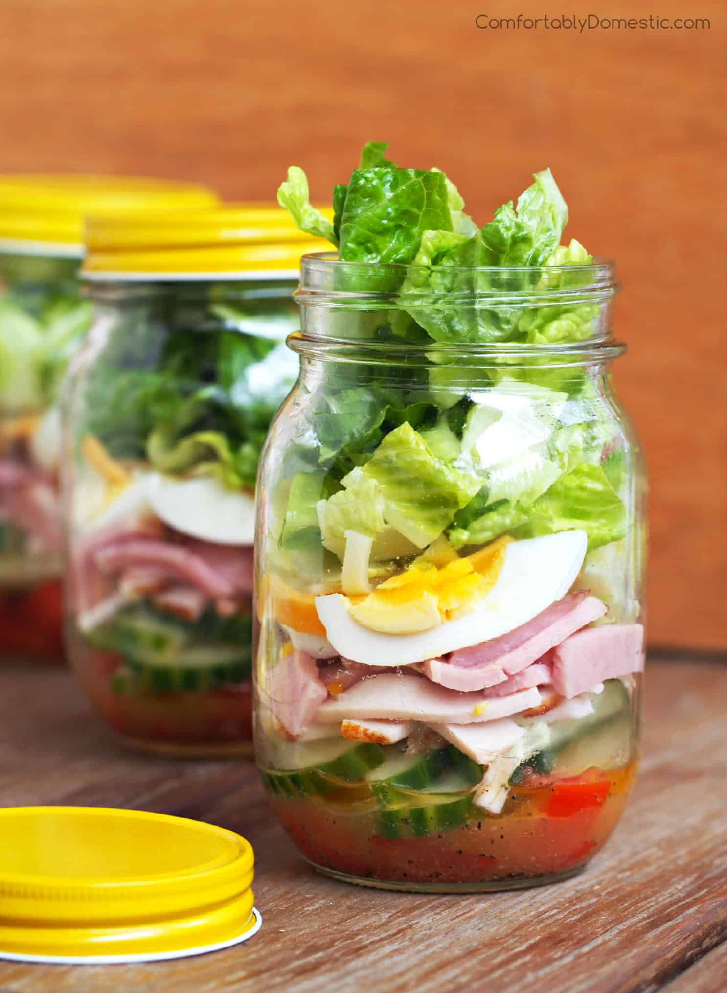 check salad in mason jar