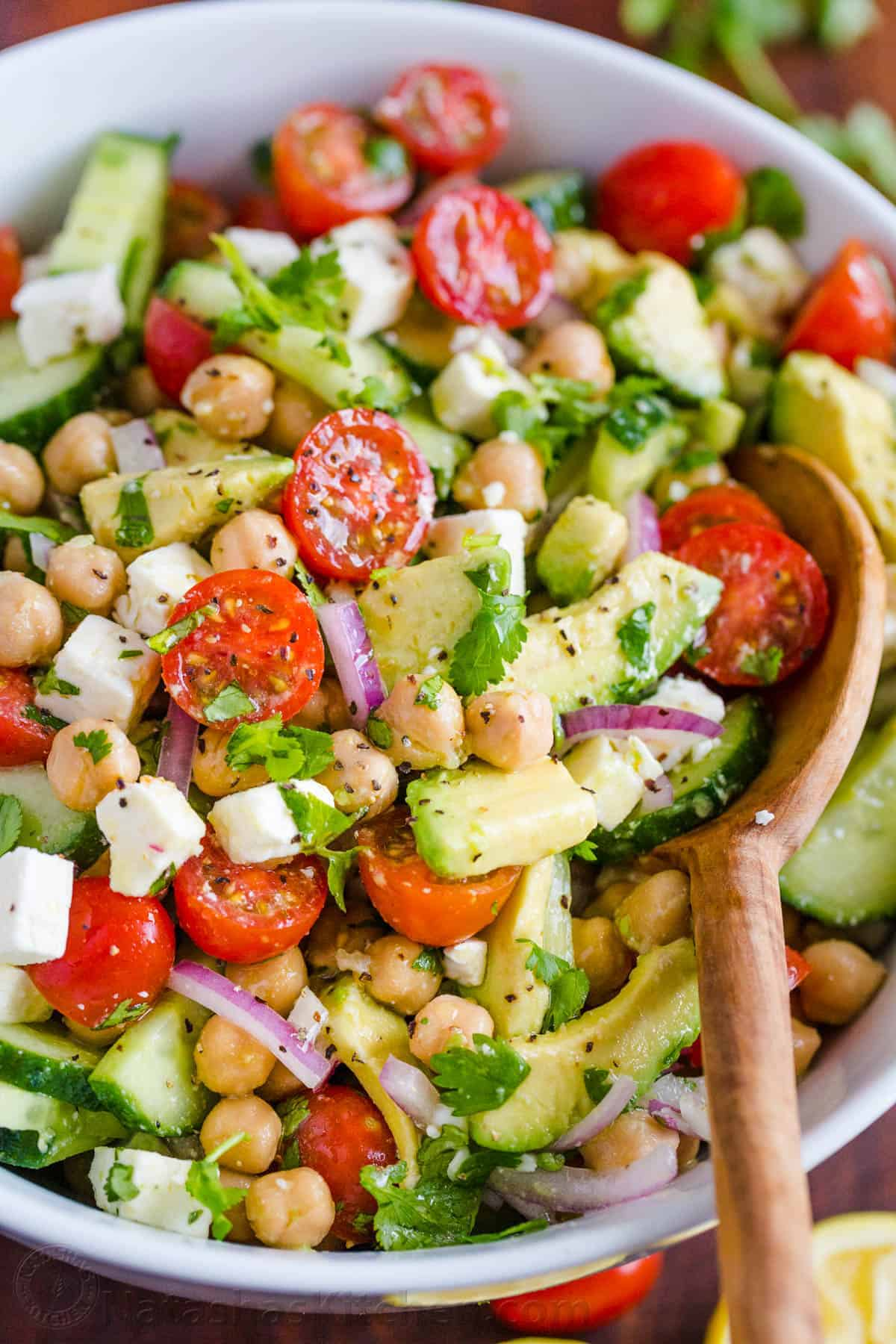 healthy summer salad recipe - avocado chickpea